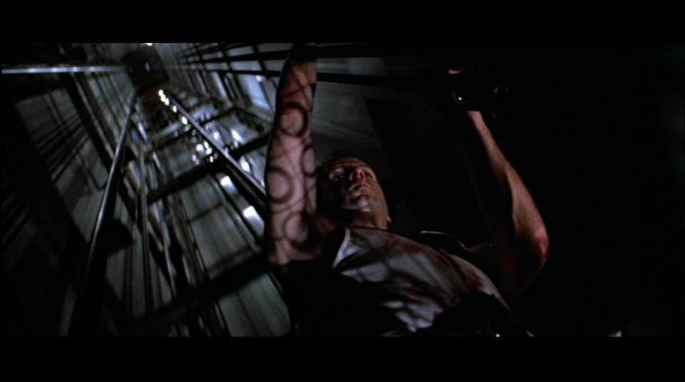 die_hard_great_shot_1